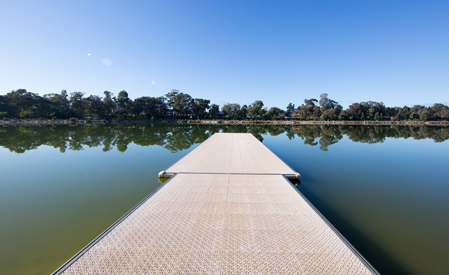 Pictuesque-blue-skies-and-still-water-at-Champion-Lakes-Regatta-Centre.jpg